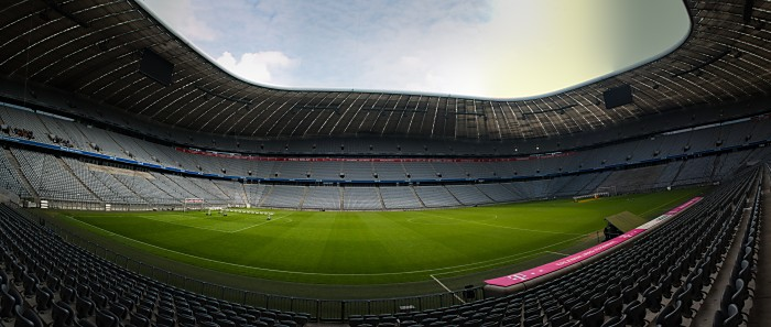 Die Allianz-Arena in München - noch keine Fans da! (joeborg / Shutterstock.com)